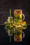 Limonade avec les citrons frais photo stock