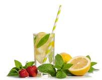 Limonade d'été Citron et menthe, fraise Image stock