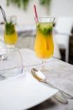 Limonade fraîche avec l'orange Photographie stock libre de droits