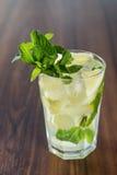 Limonade mit frischer Zitrone Stockfotografie