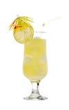 Limonade mit Zitrone und einem Regenschirm stockbild