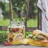 Limonaden- und Truthahnsandwiche Stockfoto