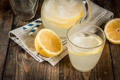 Limonata acida e dolce classica Immagini Stock Libere da Diritti