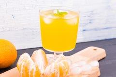 Limonata con gusto dei mandarini immagini stock