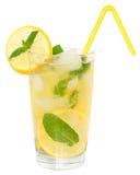 Limonata con i cubetti di ghiaccio Fotografie Stock Libere da Diritti