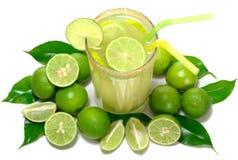 Limonata con i limoni immagine stock