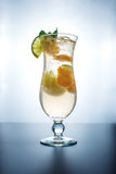 Limonata della frutta nell'uragano con la menta e la calce arancio Fotografie Stock