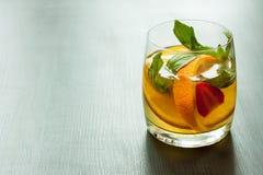 Limonata fresca da un agrume Fotografie Stock Libere da Diritti