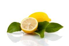 Limone con le foglie Immagini Stock