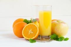 Limone di vetro della mela del succo d'arancia Immagine Stock Libera da Diritti