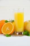 Limone di vetro della mela della menta del succo d'arancia Immagini Stock