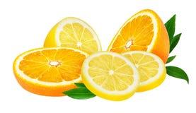 Limone e frutta arancio isolati su bianco Immagine Stock Libera da Diritti