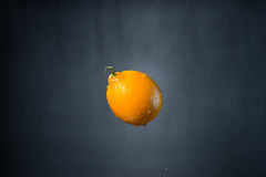 Limone e gocce di acqua Fotografia Stock Libera da Diritti