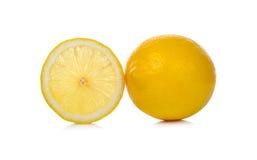 Limone fresco su fondo bianco Fotografie Stock Libere da Diritti