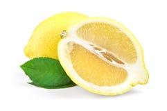 Limone fresco su fondo bianco Percorso di ritaglio Fotografia Stock Libera da Diritti