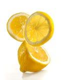 Limone fresco su una priorità bassa bianca Fotografia Stock Libera da Diritti