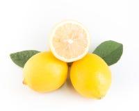 Limone isolato su priorità bassa bianca Con il percorso di ritaglio Fotografie Stock Libere da Diritti