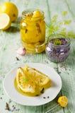 Limone marinato con lavanda Immagini Stock