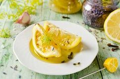 Limone marinato con lavanda Fotografia Stock