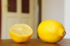 Limone sugoso fresco fotografia stock libera da diritti