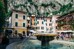 Limone sul加尔达,意大利- 2016年9月10日:喷泉 库存照片
