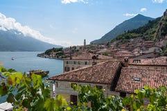 Limone sul加尔达, Garda湖,布雷西亚,意大利看法  免版税库存图片
