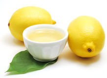 Limones con petróleo Imagenes de archivo