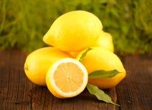Limones frescos Imágenes de archivo libres de regalías