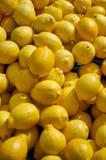 Limoni al mercato Fotografia Stock Libera da Diritti