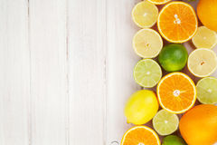 Limoni, aranci e limette Arance, limette e limoni Fotografie Stock Libere da Diritti