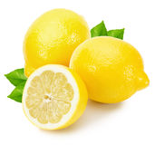 Limoni saporiti isolati sui precedenti bianchi Immagini Stock