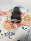 Limousine με τα χρήματα στοκ φωτογραφία