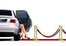 Limousine στην άφιξη κόκκινου χαλιού με το προκλητικό πόδι Στοκ Φωτογραφίες