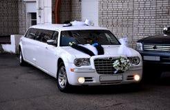 Limousine för att gifta sig Fotografering för Bildbyråer