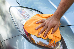 Limpando o carro Imagem de Stock Royalty Free