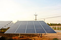 Limpe a célula solar enegy na exploração agrícola solar Fotos de Stock