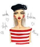 Limpe a menina à moda na boina e em blusa listrada Imagem de Stock Royalty Free