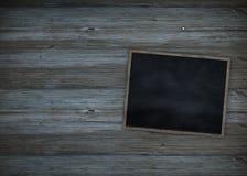 Limpe a placa de giz na parede de madeira para o fundo Textura para o fundo educacional ou do negócio ilustração royalty free