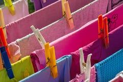 Limpe pregadores de roupa da lavanderia Imagens de Stock Royalty Free