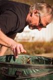 Limpeza da jarda, no outono/queda Fotos de Stock Royalty Free