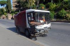 Limpeza da máquina da vassoura de rua Imagem de Stock