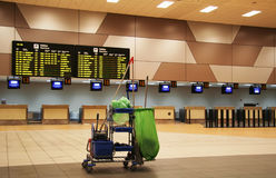 Limpeza do aeroporto imagem de stock