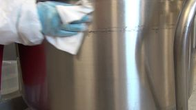Limpeza e máquina de lavar para preparar a massa vídeos de arquivo