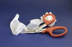 Limpeza e tesouras Fotos de Stock Royalty Free