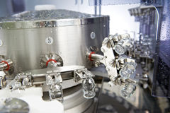 Limpeza industrial da arruela da medicina farmacêutica e garrafas de secagem Imagens de Stock