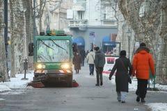 Limpiador de calle en el parque de Zrinjevac Imagen de archivo