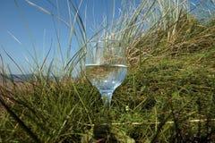 Limpie el agua mineral natural Foto de archivo libre de regalías