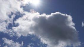 Limpie las nubes si el tamaño de la necesidad me envía un correo electrónico o deja un comentario almacen de video