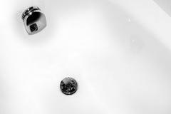 LIMPIEZA casera - elementos del baño Foto de archivo libre de regalías