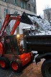 Limpieza de la nieve Fotografía de archivo